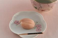 桜ひとひら(練り切り)