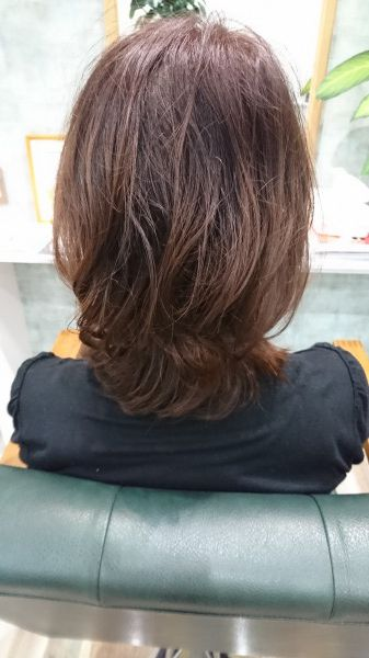 ミディアムスタイル クセ毛を活かして