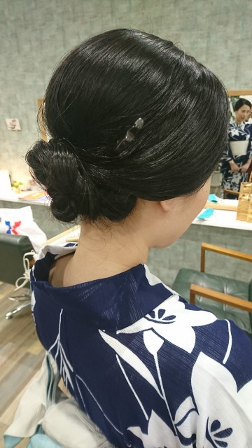 琵琶湖花火大会 シックな浴衣に合わせて艶まとめ髪
